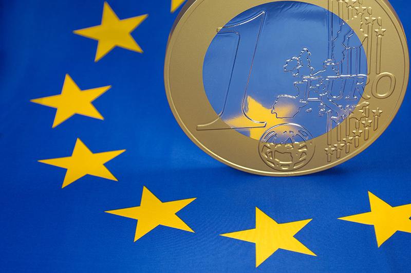 ujemne stopy procentowe euro - deflacja